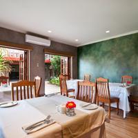 Singa Lodge Dining