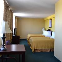 Consulate Hotel Airport/Sea World San Diego Area Guestroom