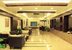CRN Canary Sapphire - Bengaluru - Lobi