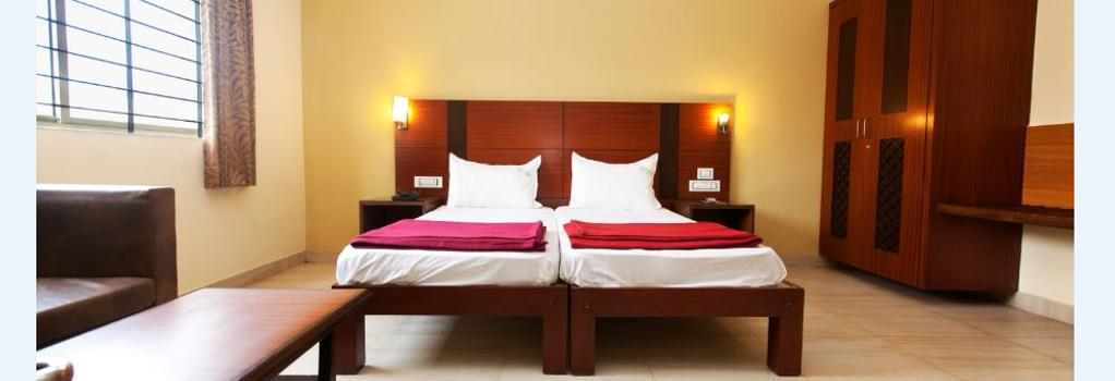 Hotel Janpath - Bangalore - Bedroom