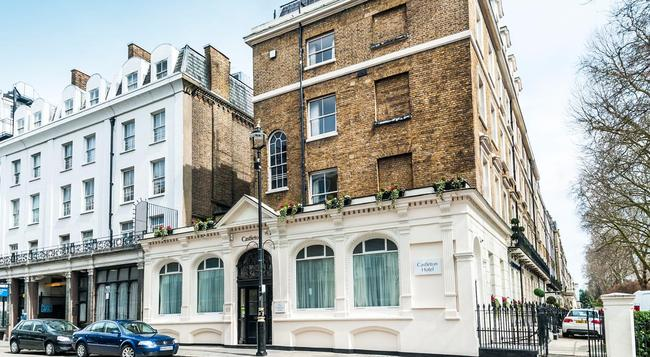Castleton Hotel - London - Building