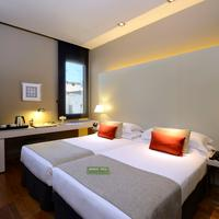 Grand Hotel Central Guestroom