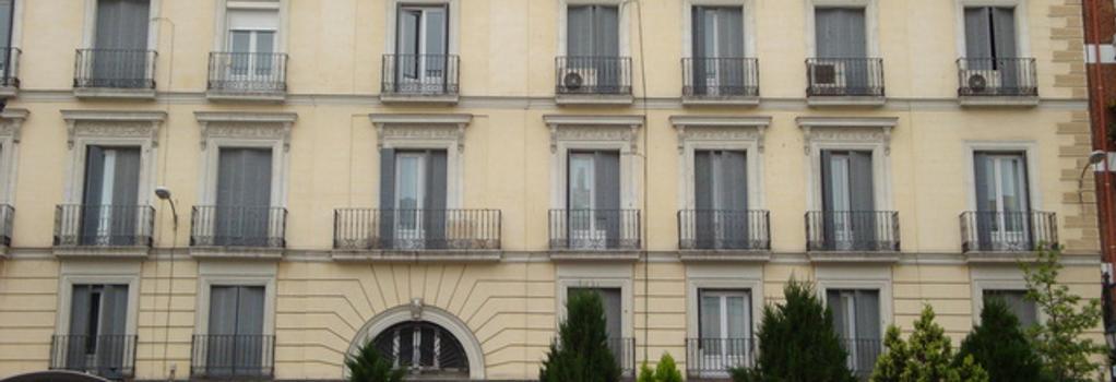 Hostal Zamora - Madrid - Building
