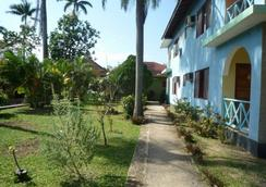 Pure Garden Resort Negril - Negril - Pemandangan luar