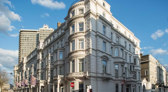 Park International Hotel - London - Building