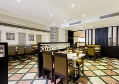 Fabhotel Avs Gachibowli Extn - Hyderabad - Restoran