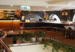 Silken Hotel - Kota Taipei - Restoran