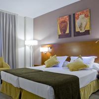 Hotel Puerta de Toledo Guest room