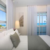 Gordon Hotel & Lounge Guest Room