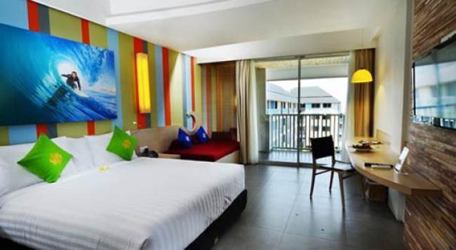 Bliss Surfer Hotel - Legian - Bedroom