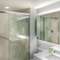 Hyatt Place Washington D.C./National Mall Bathroom