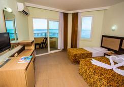 Kleopatra Beach Hotel - Alanya - Kamar Tidur