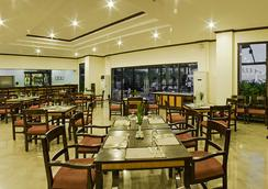 Plaza Del Norte Hotel & Convention Center - Laoag - Restoran