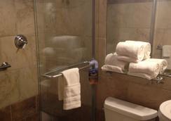 Hyde Park Hotel - Tampa - Kamar Mandi