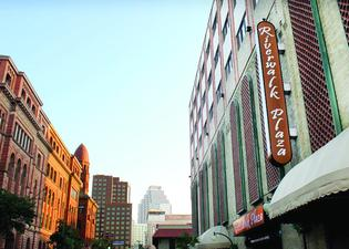 Riverwalk Plaza Hotel