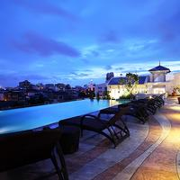 Chillax Resort Outdoor Pool