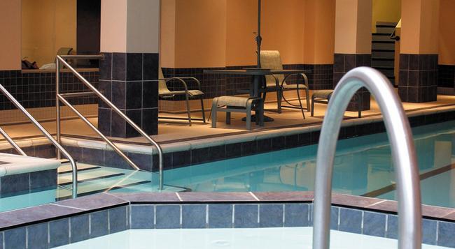 Lord Elgin Hotel - Ottawa - Pool