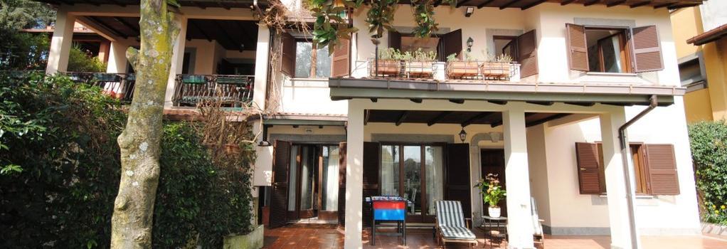 B&B Casale Dell'Insugherata - Rome - Building