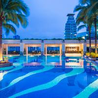 Emporium Suites By Chatrium Swimming Pool