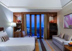 Chatrium Hotel Royal Lake Yangon - Yangon - Kamar Tidur