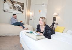 Hotel Les Alizes - Dinard - Kamar Mandi