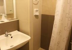 The Center Suites - Cebu City - Kamar Mandi