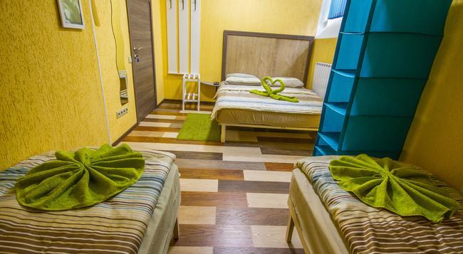De-Hostel - Moscow - Bedroom