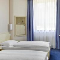 InterCityHotel Augsburg IntercityHotel Augsburg, Germany - Standard room with two separate beds