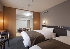 Dormy Inn Shinsaibashi Hot Spring - Osaka - Kamar Tidur