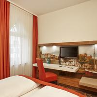 H4 Hotel Lübeck City Centre Guestroom