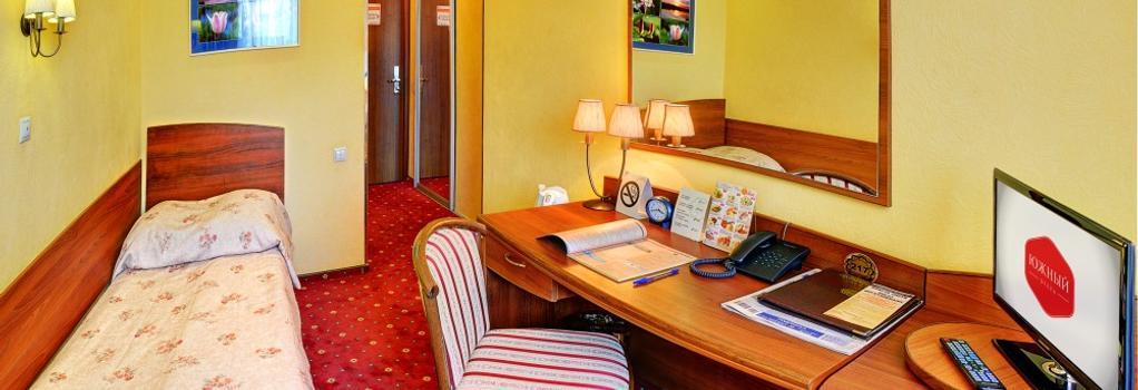 Yuzhniy Hotel - Volgograd - Bedroom