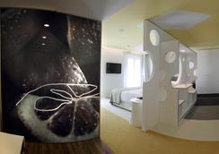 Room Mate Pau - Barcelona - Kamar Tidur