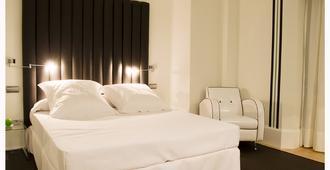 Mariposa Hotel Malaga - Malaga - Kamar Tidur