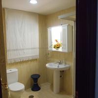 The Martin House Bathroom