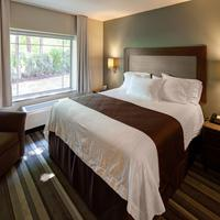 The East Avenue Inn & Suites Guest room