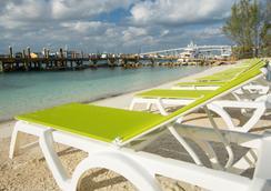 Warwick Paradise Island Bahamas- Adults Only - All Inclusive - Nassau - Pantai