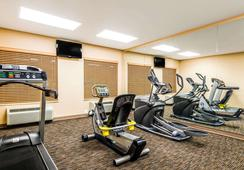 Baymont Inn & Suites Denver International Airport - Denver - Gym