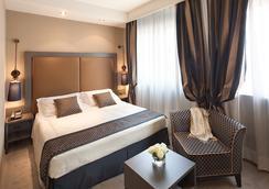 Hotel Mozart - Milan - Kamar Tidur