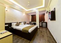 Hotel Ashish Palace - Agra - Kamar Tidur