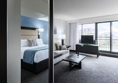 Ottawa Embassy Hotel & Suites - Ottawa - Kamar Tidur