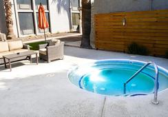 Hotel 502 - Phoenix - Atraksi Wisata