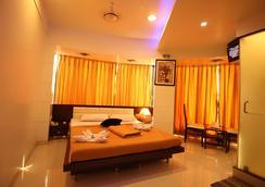La Hotel Metro - Mumbai - Kamar Tidur