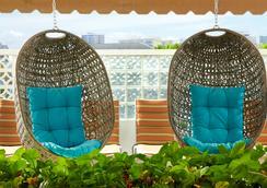 Aqua Oasis - Honolulu - Lounge