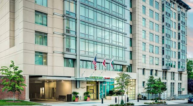 Courtyard by Marriott Washington DC Foggy Bottom - Washington - Building