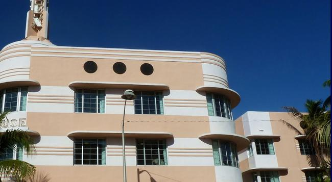 Essex House Hotel - Miami Beach - Building