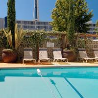 Travelodge Seattle By The Space Needle Outdoor Pool