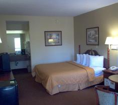 Days Inn & Suites Savannah Midtown