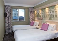The President Hotel - London - Kamar Tidur