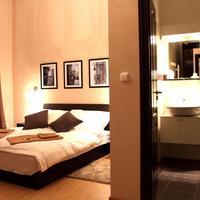 Budapest Ville Bed & Breakfast Bathroom Shower