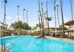 Ramada San Diego North Hotel & Conference Center - San Diego - Kolam